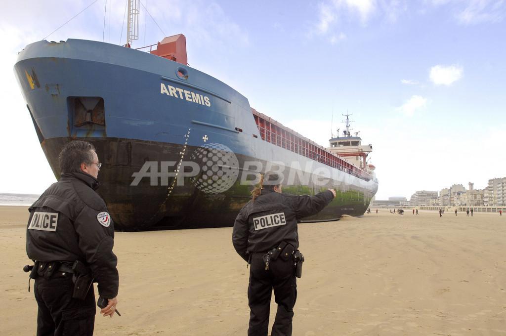 英国南西部中心に暴風雨で交通に大幅な乱れ、海峡ではタンカーが立ち往生
