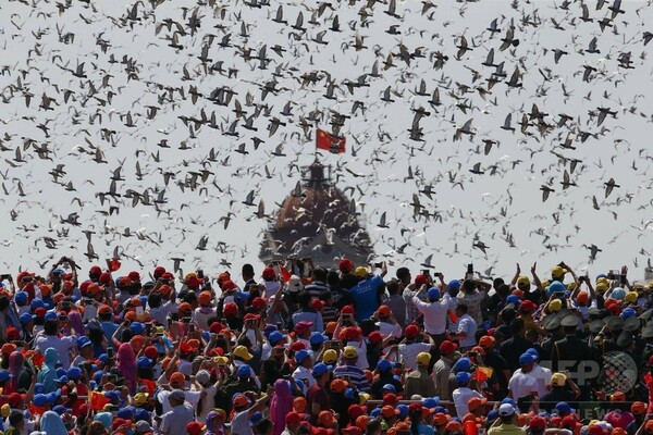 中国の軍事パレード、一般人を閉め出し