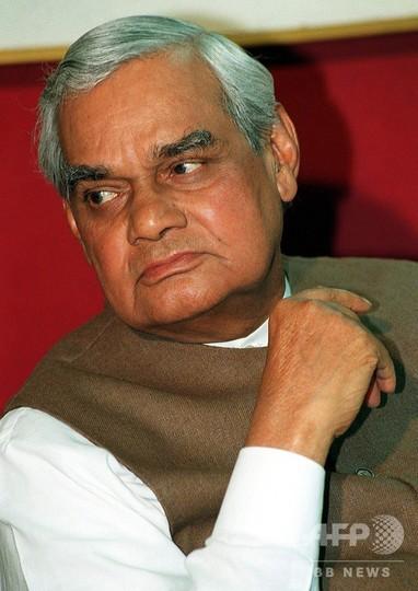 インドのバジパイ元首相死去 93歳
