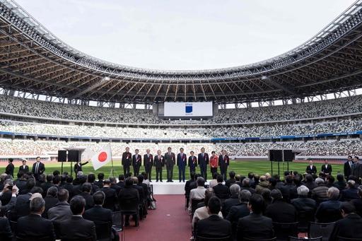 新国立競技場で竣工式、東京五輪・パラのメイン会場