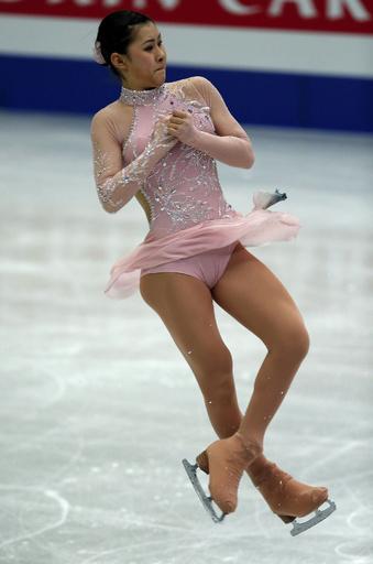 浅田真央が女子SP首位、日本勢が上位独占 四大陸選手権