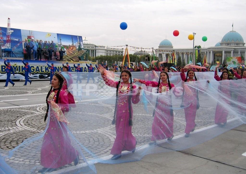 トルクメニスタン、「エッフェル塔のようなモニュメント」建設計画を発表