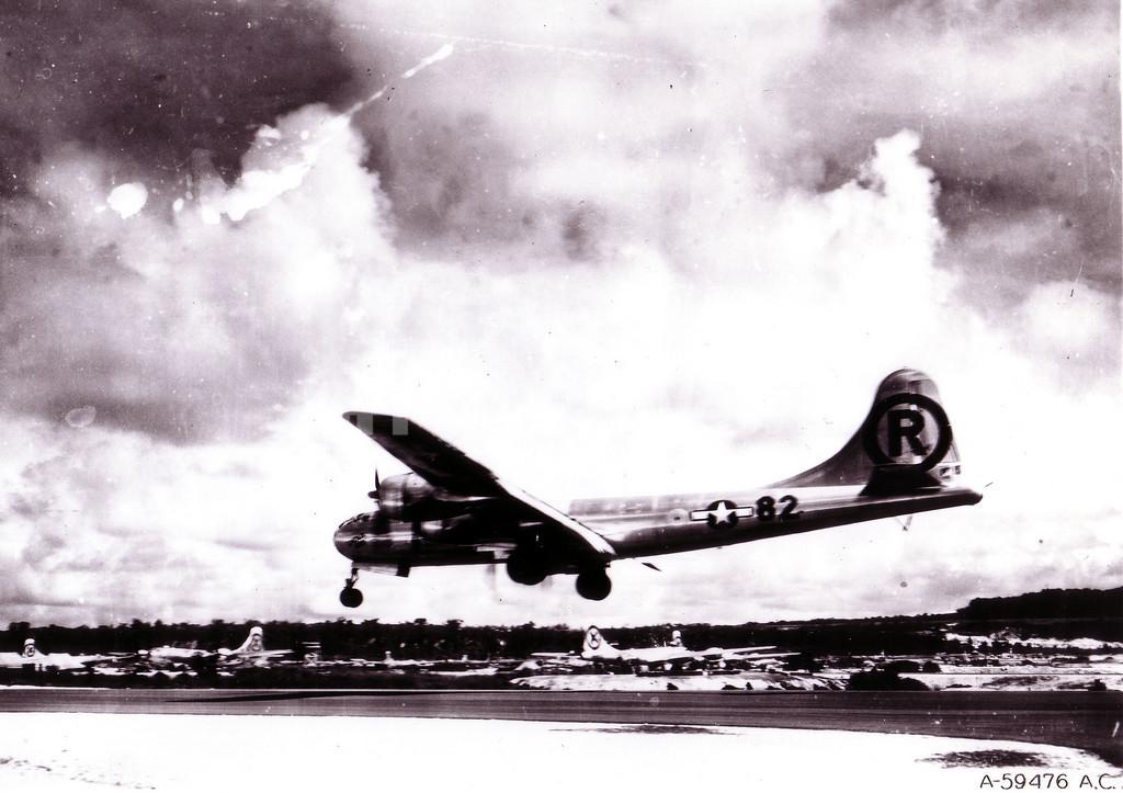 広島に原爆を投下した元B-29爆撃機の機長が死去 写真7枚 国際ニュース ...
