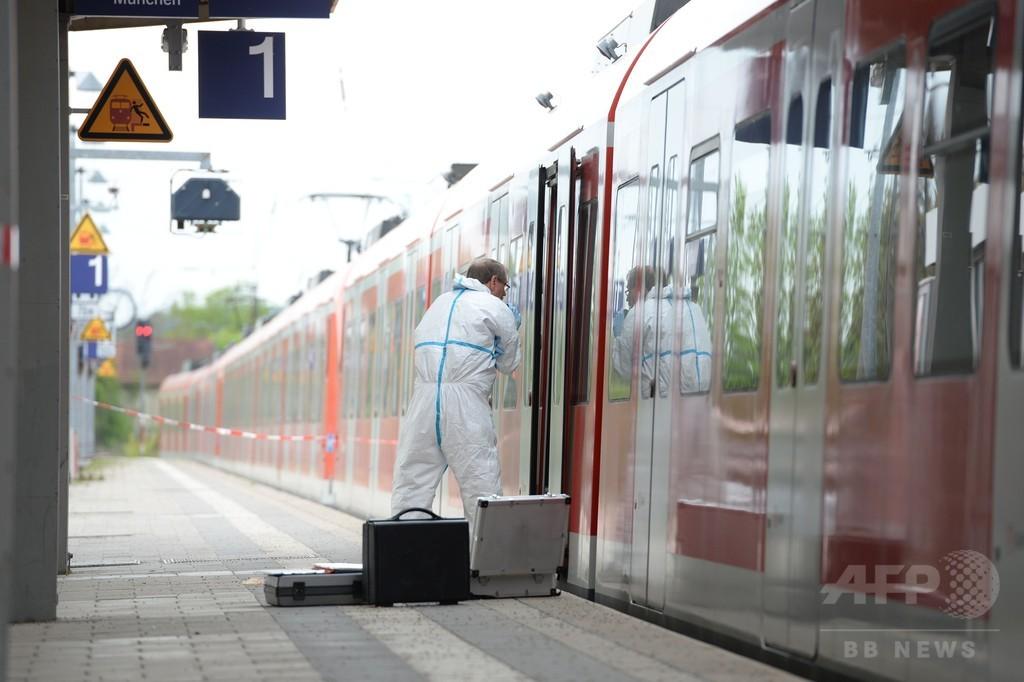 ドイツ鉄道駅に刃物男、4人死傷 精神異常者か