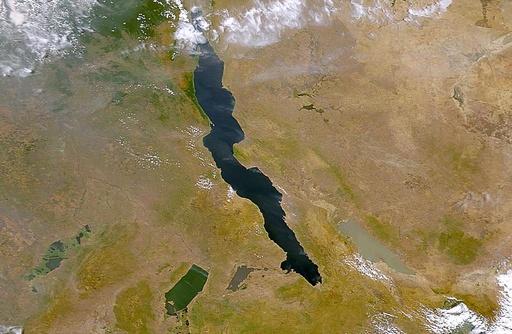 コンゴの湖で客船転覆、129人死亡