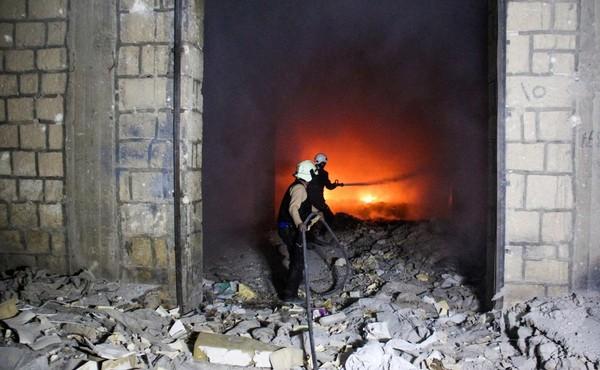 シリア反体制派支配下の刑務所に空爆、16人死亡