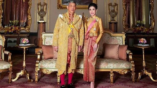 動画:タイ国王、「不実」な34歳配偶者のあらゆる称号を剥奪