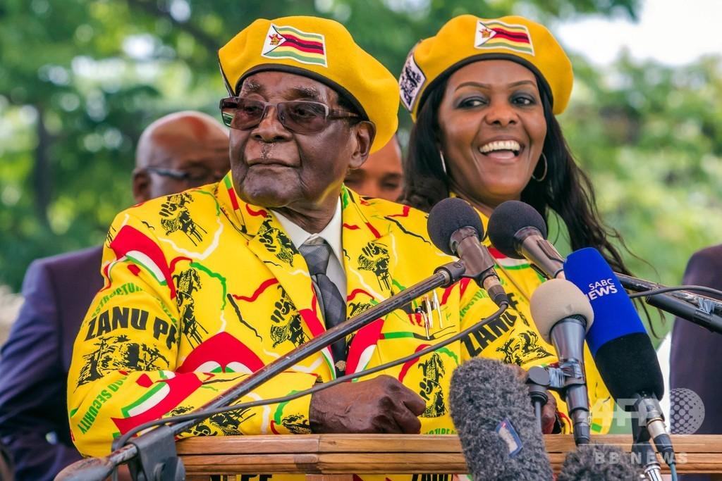 ジンバブエのムガベ前大統領が死去、元ゲリラ闘士の「建国の父」