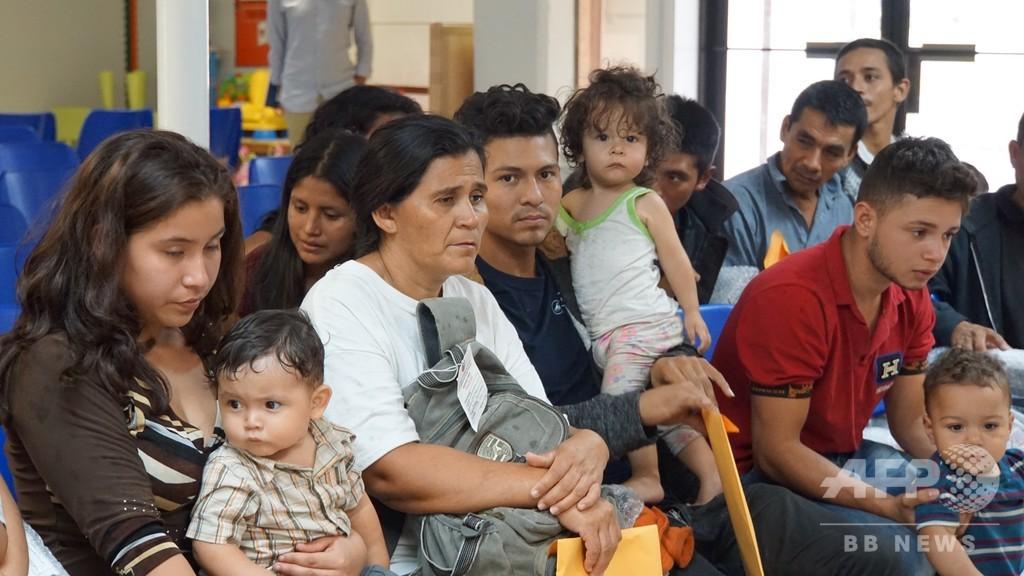 「ママはうそつき」…米国境で母と引き離された少年の叫び
