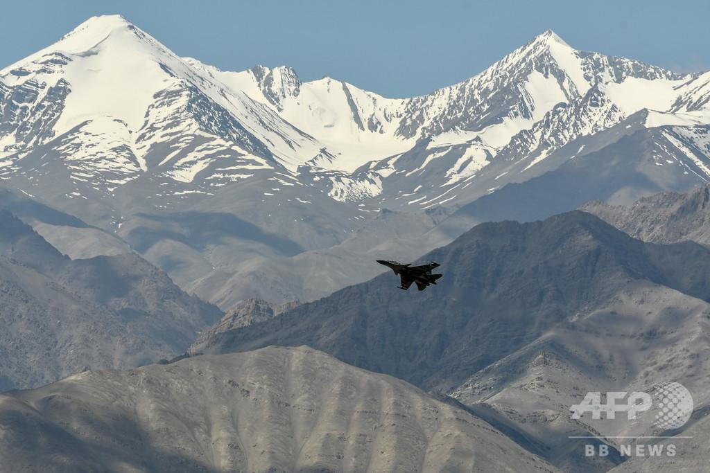 インドと中国、ヒマラヤ係争地への部隊増派停止などで合意