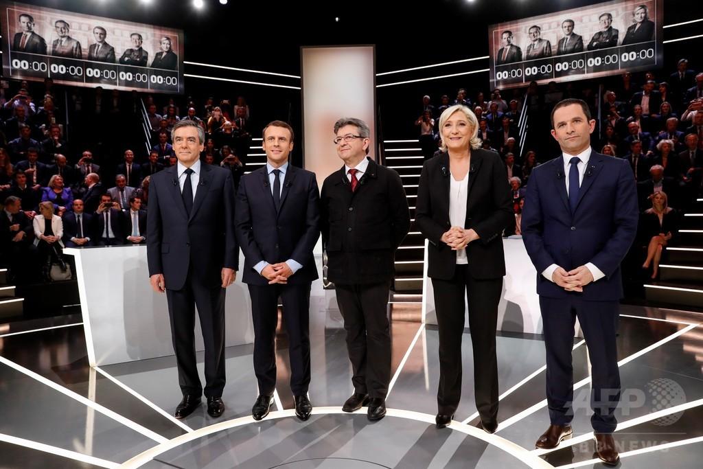 テレビ討論会でルペン氏に集中砲火、仏大統領選