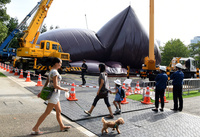 都心に謎の物体⁉ 巨大風船の移動式コンサートホール 東京