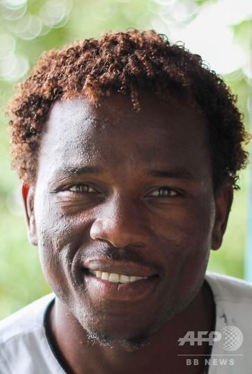 豪の難民収容所で抗議続けたスーダン人男性、人権賞を受賞