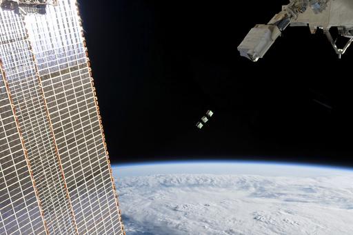 超小型衛星3基、ISS日本実験棟「きぼう」から放出