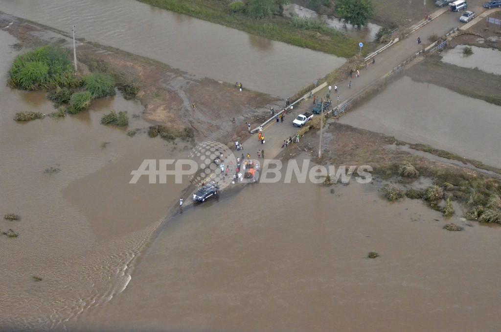 モザンビーク洪水被害拡大、豪雨止まず15万人避難