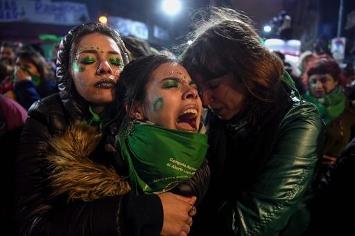 アルゼンチン上院、妊娠中絶合法化法案を否決
