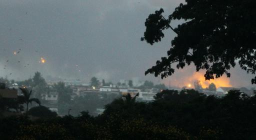 仏軍と国連部隊、バグボ氏拠点を空爆 コートジボワール