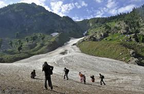 印裁判所、ヒマラヤの氷河を「生きた存在」と認める判断