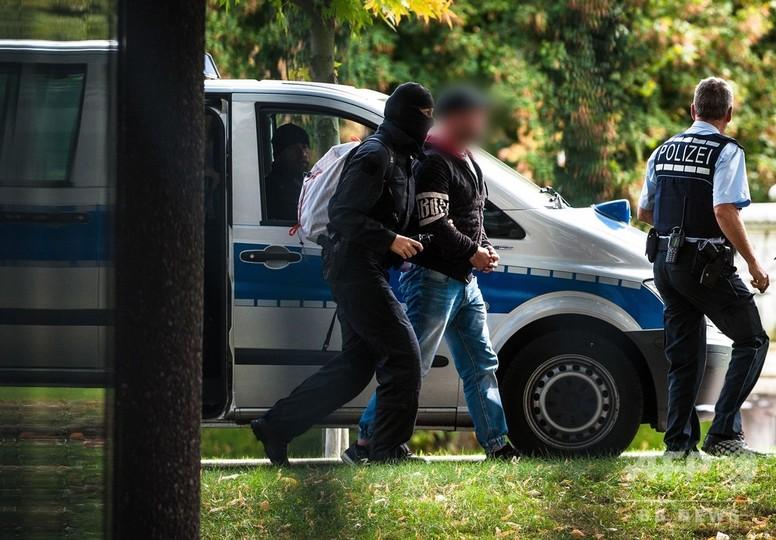 ドイツで「革命」計画か 「テロ」組織結成疑いの極右6人拘束