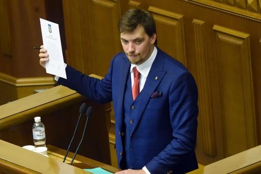 ウクライナ新首相に弁護士出身のホンチャルク氏 政治手腕は未知数