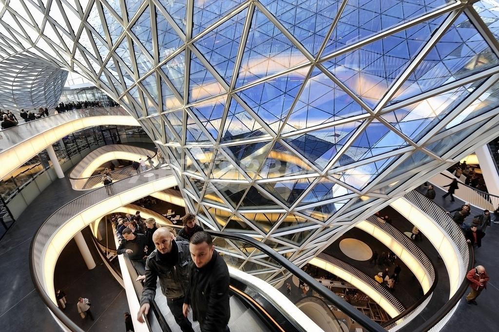 ドイツで大人気、美しいデザインのショッピングセンター