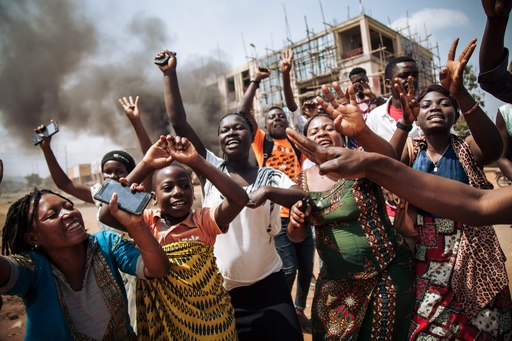 デモ隊がエボラ治療センター襲撃、感染疑いの24人抜け出す コンゴ
