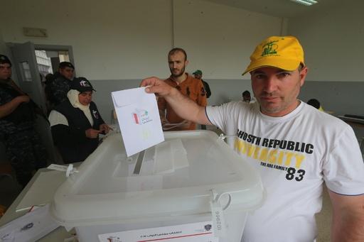 レバノンで9年ぶり総選挙、ヒズボラが躍進へ