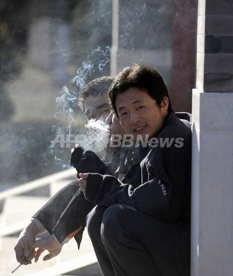 健康的な生活も水の泡、喫煙者の妻は短命の傾向 米大研究