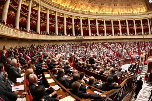 フランスで選挙後初の国民議会