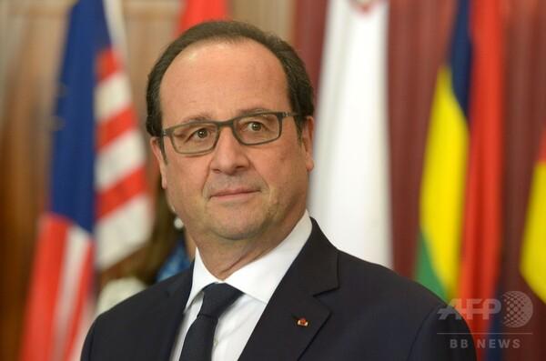仏大統領の支持率、同時テロ受け急上昇 12年以降最高に