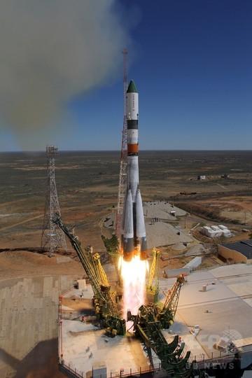 ロシア宇宙輸送船、制御不能で地球に降下開始