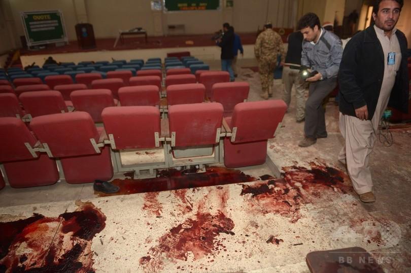 パキスタン学校襲撃、事件現場の...