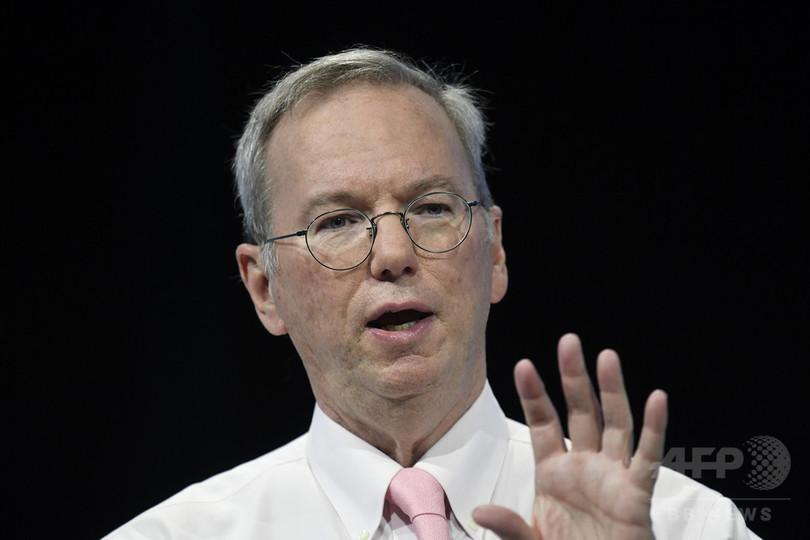 グーグル親会社アルファベットのシュミット会長が退任へ、慈善活動など拡大