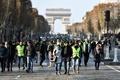 仏で燃料価格上昇への抗議デモ、事故で参加者1人死亡