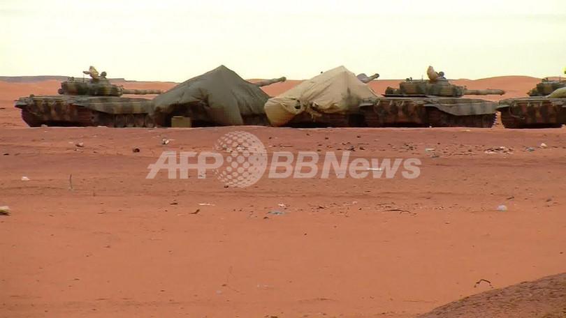 アルジェリア人質救出作戦に各国から批判、人質の乗った車両を攻撃か