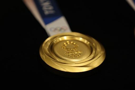 東京五輪開幕まで1年、メダルのデザインお披露目