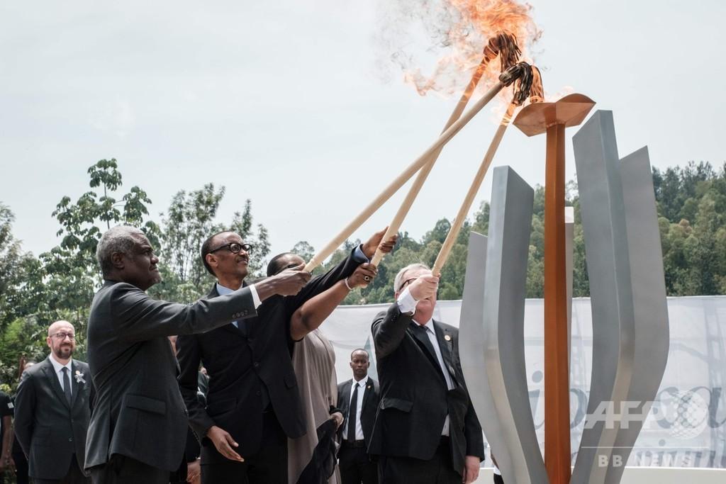 大虐殺から25年、カガメ大統領「ルワンダ人は再び家族に」