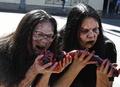 動物愛護団体PETA、ゾンビに扮して食肉消費に抗議 米
