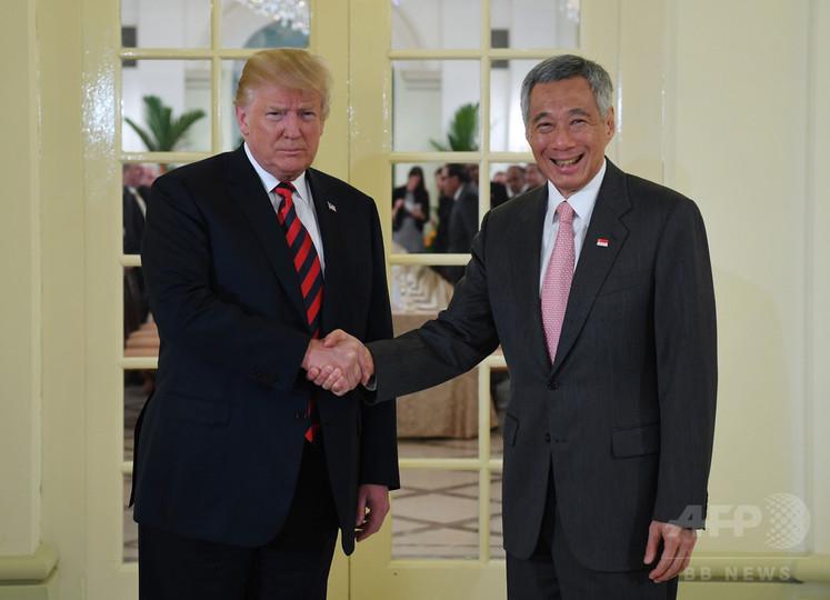 トランプ大統領、シンガポール首相と会談 米朝会談は「うまくいく」