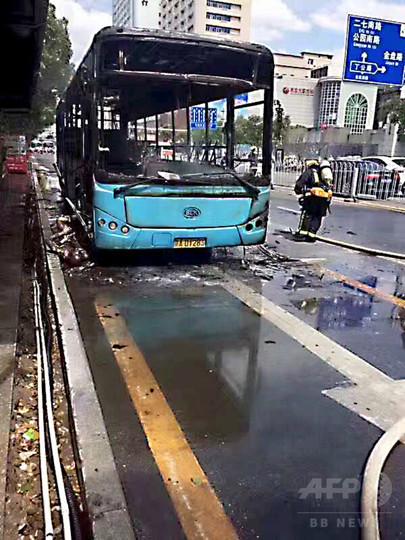 路線バスが炎上、1人死亡 江西省