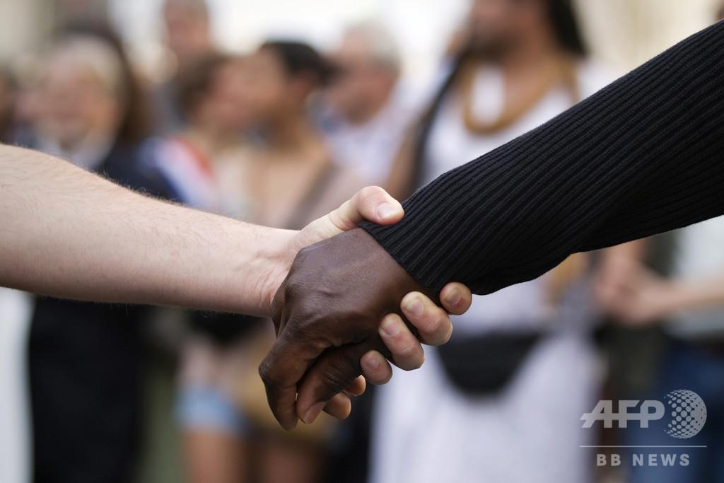 「白人をつるせ」 仏ラッパーが人種差別的MV、非難殺到