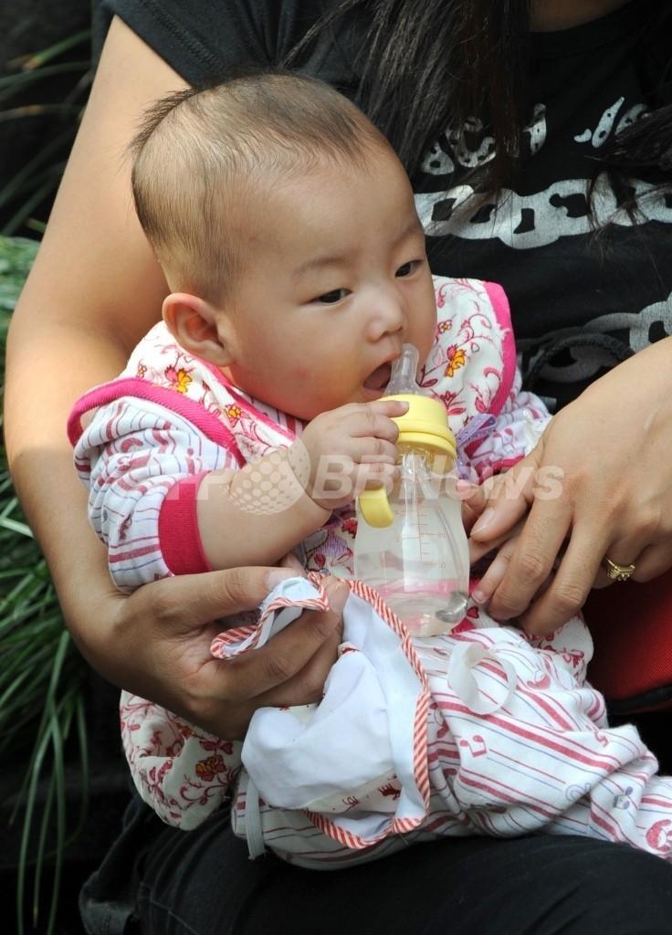 中国製粉ミルクからまた発がん性物質、生産停止に