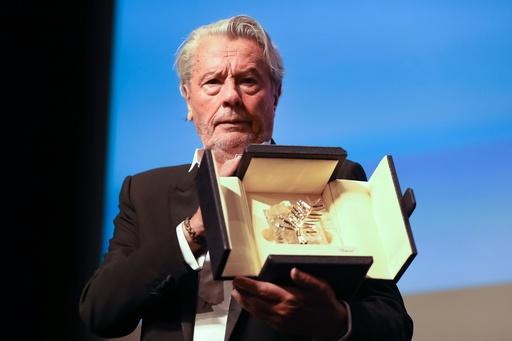 アラン・ドロンさんに名誉賞 カンヌ映画祭