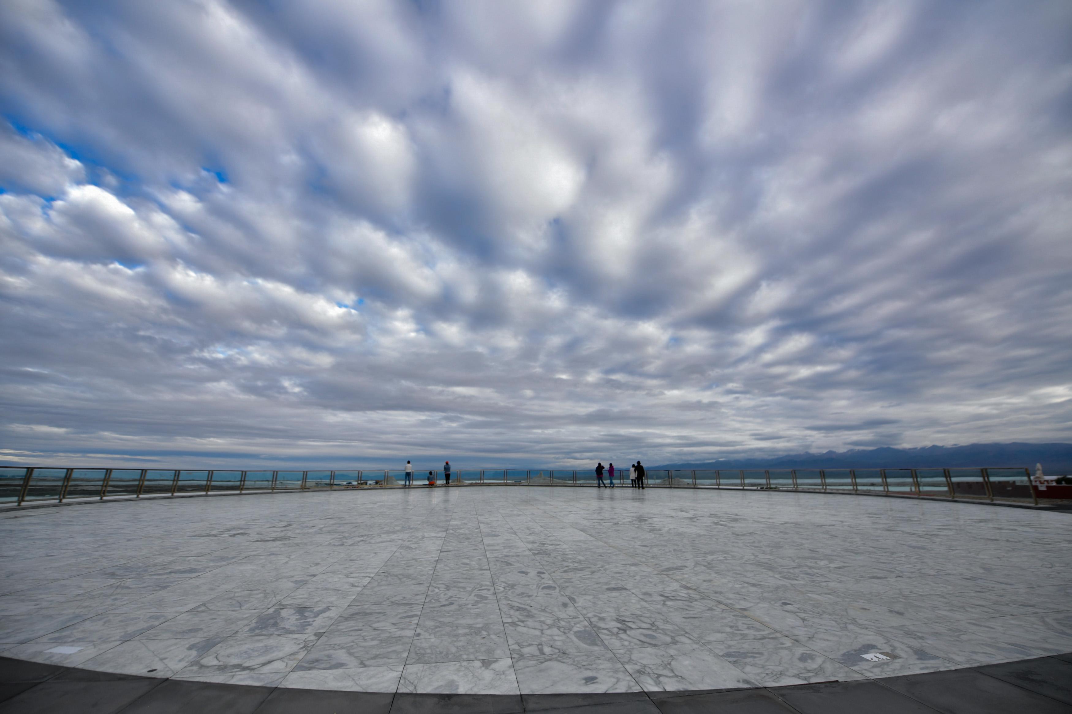 夏のベストシーズン到来!チャカ塩湖の魅力に迫る 青海省