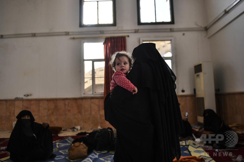 過激派戦闘員のフランス人妻「シリアで裁かれるべき」 仏政府