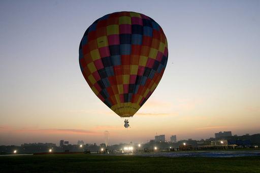 モーリタニアで熱気球が墜落、6人死傷