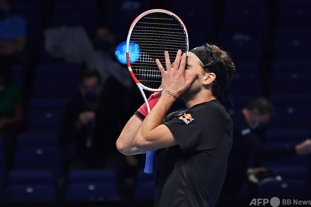ティエムがジョコビッチとの激闘制す ATPファイナルズ決勝進出