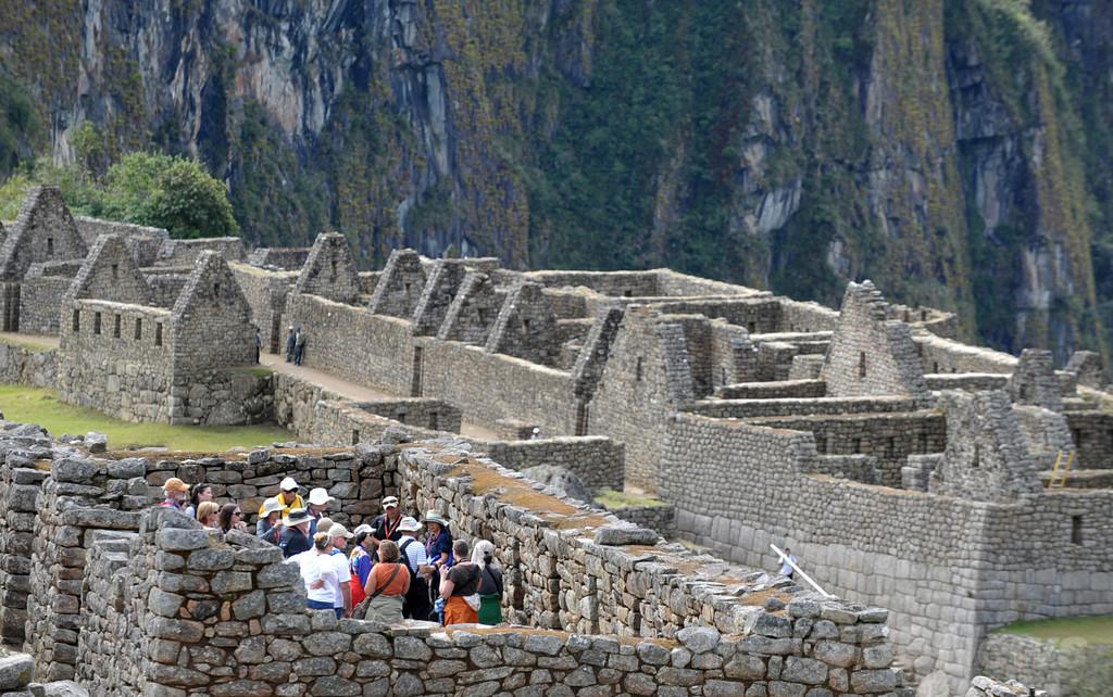 世界遺産マチュピチュでヌード撮影、外国人観光客4人拘束