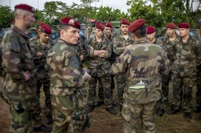 中央アフリカ共和国へ派遣の仏軍、兵士2人殺害される