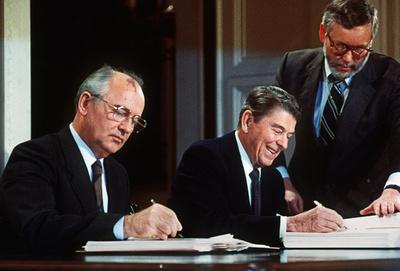 ゴルバチョフ氏、トランプ氏の「分別の欠如」非難 核条約離脱表明で